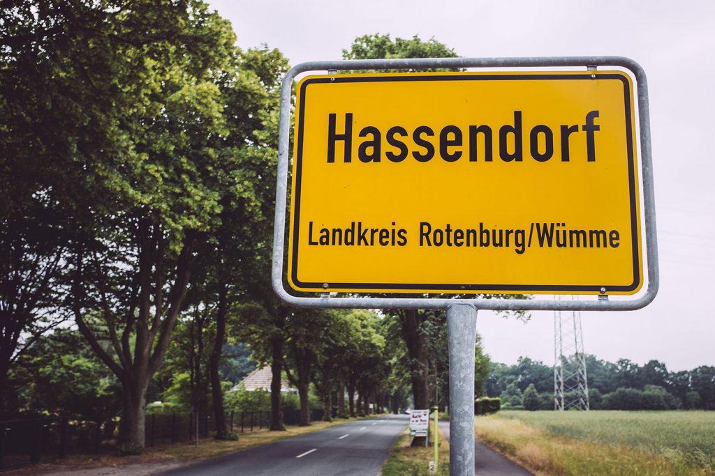 Ortsschild von Hassendorf (Sottrum, Niedersachsen)