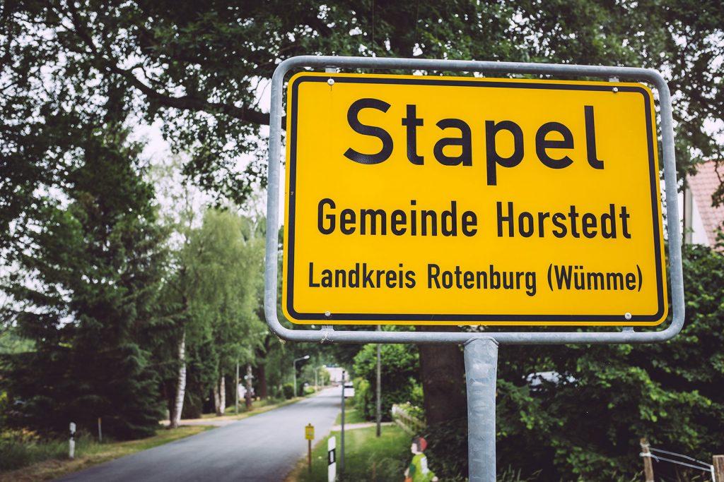 Ortsschild von Stapel (Horstedt, Niedersachsen)