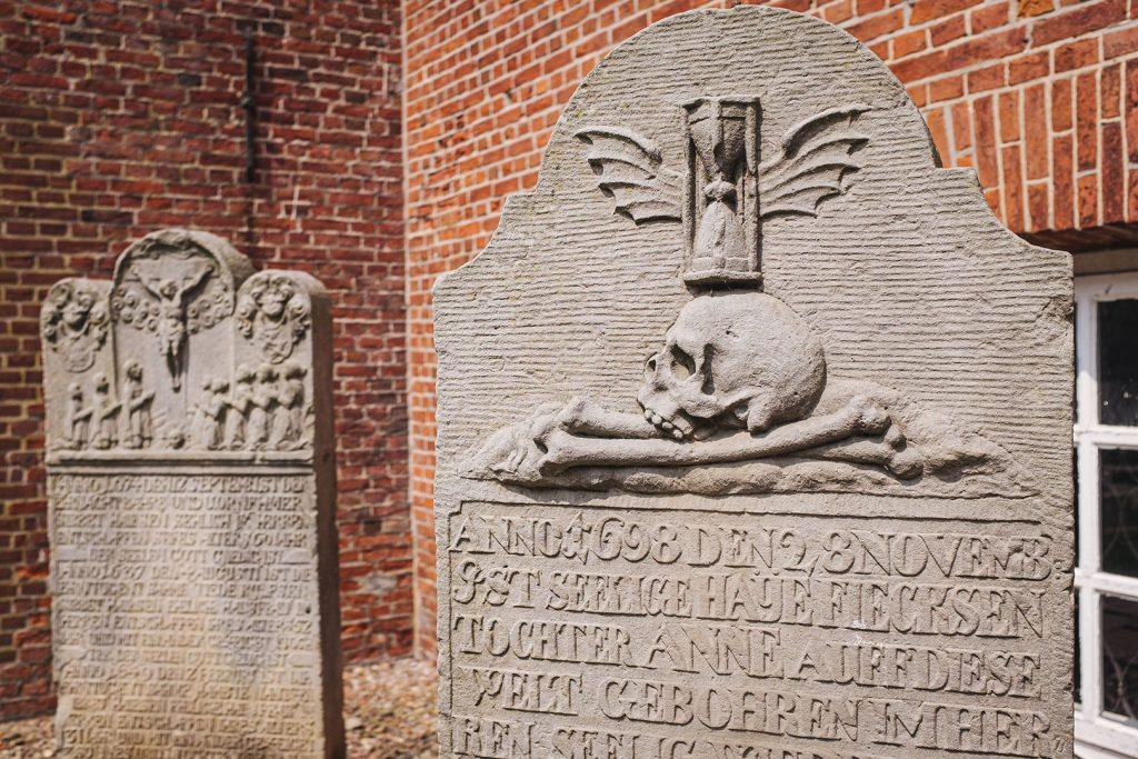 Gedenksteine in Langwarden