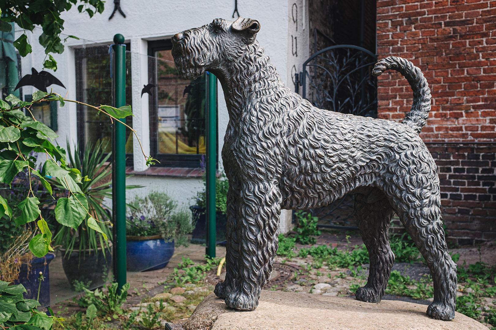 Hund Statue in Hooksiel
