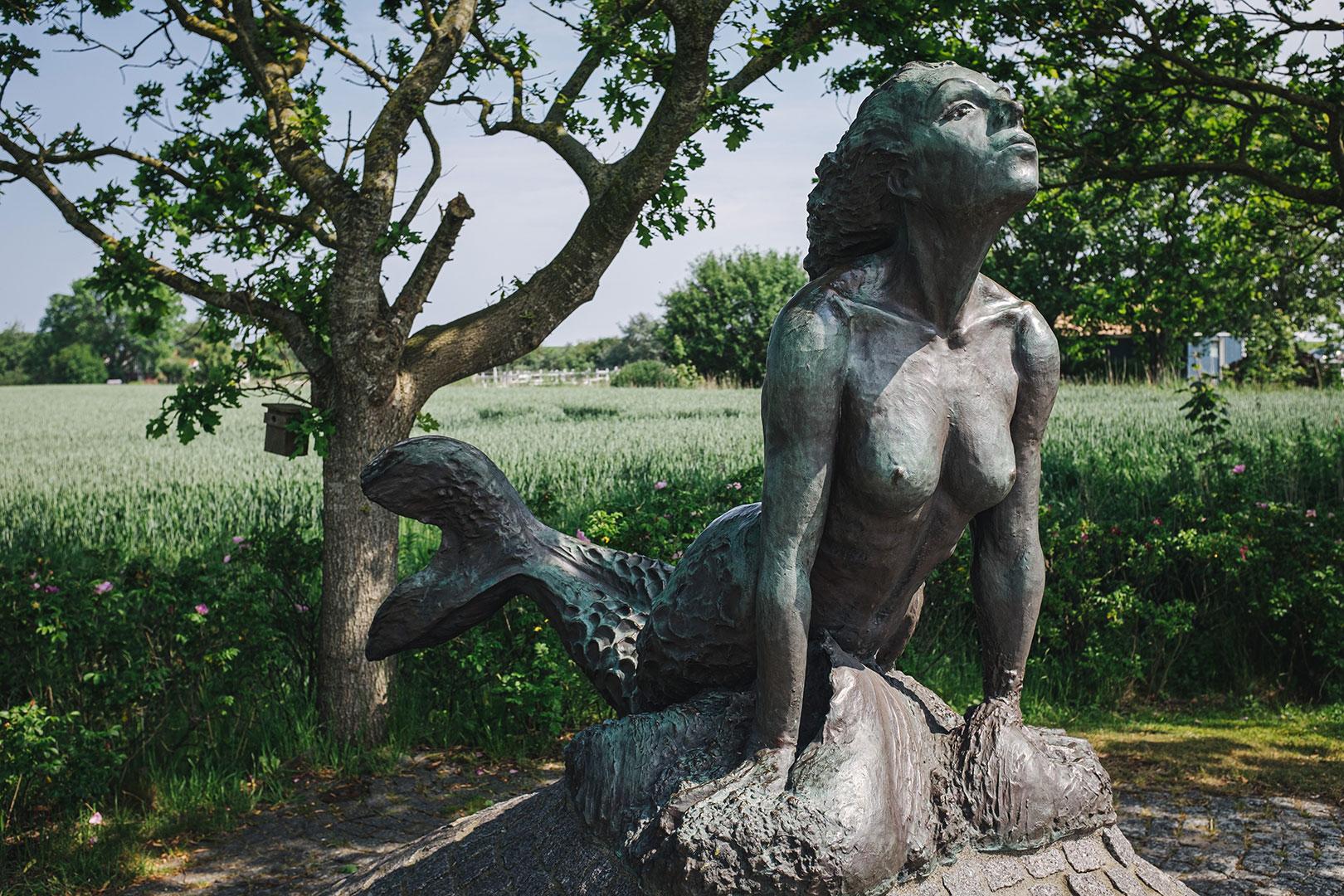 """Bronzeskulptur """"Dat Minsener Seewief"""""""