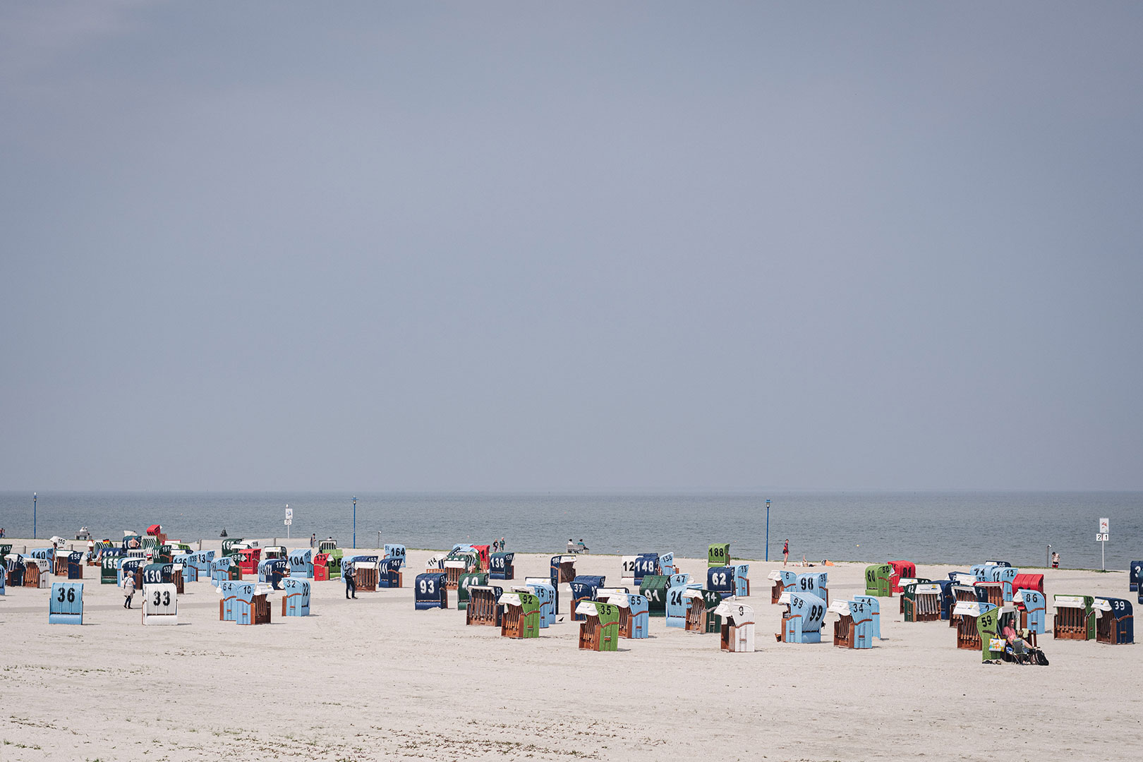 Strand mit Strandkörben in Neuharlingersiel