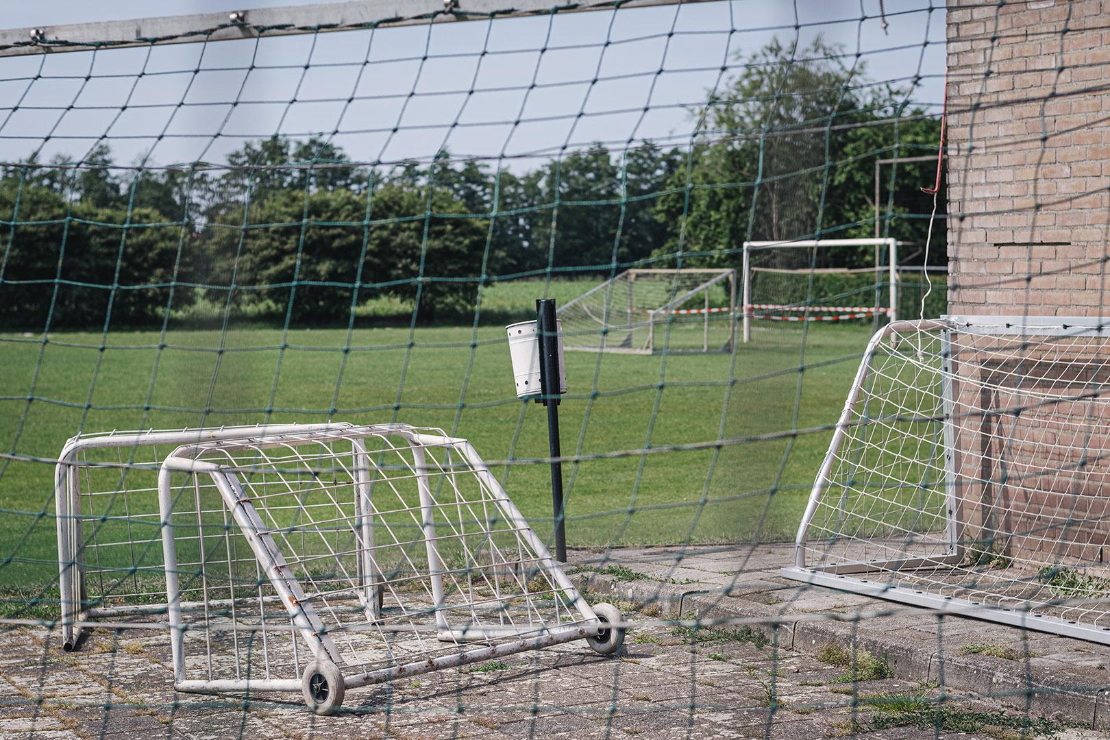 Tore auf dem Fußballplatz in Nieuw-Schoonebeek