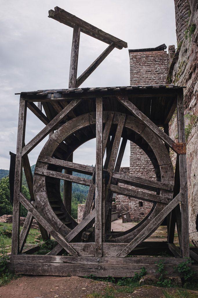 Zisterne auf der Burg Fleckenstein
