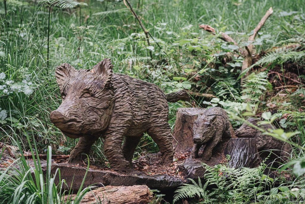 Wildschwein-Skulptur in Ludwigswinkel
