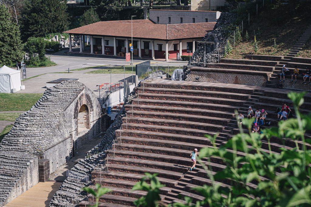 Treppe im Römischen Theater in Augst