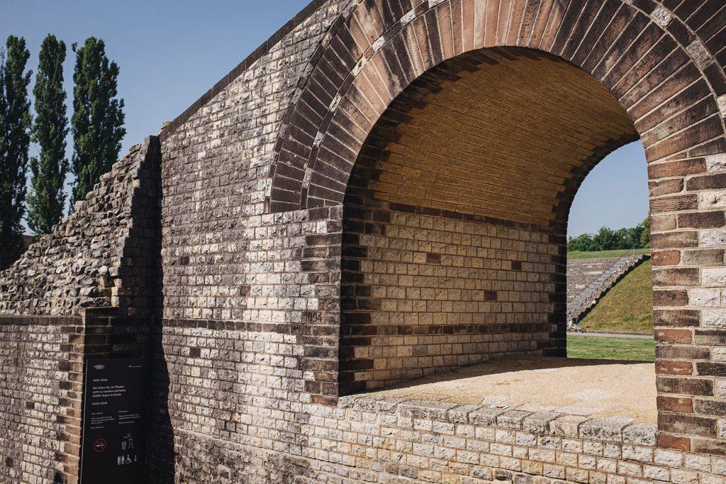 Detail des römischen Theaters in Augst