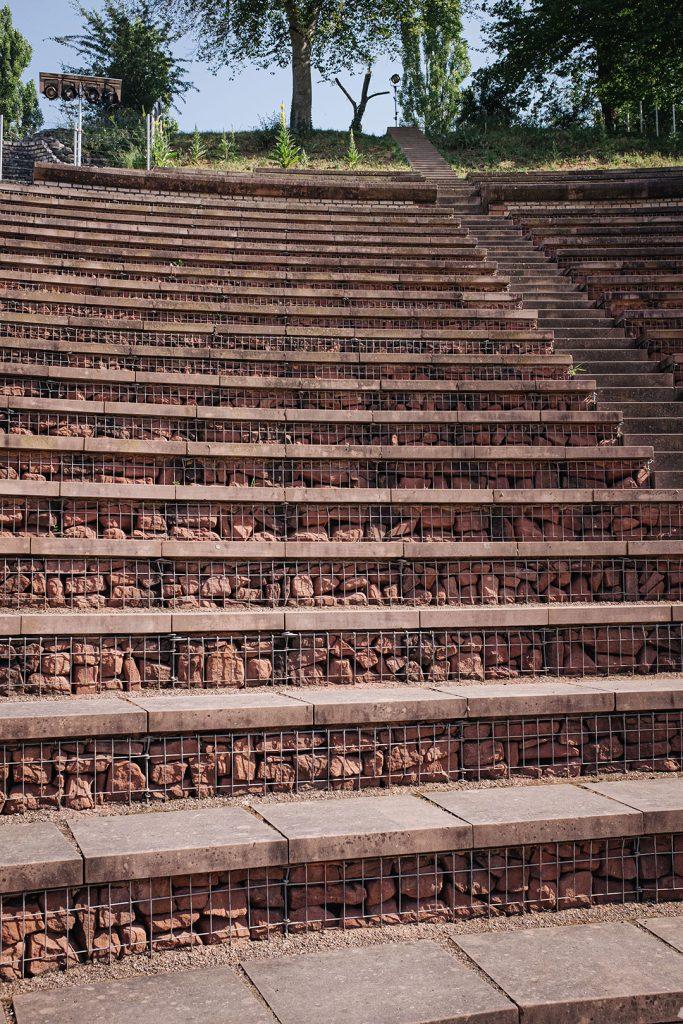 Treppen im Römischen Theater in Augst
