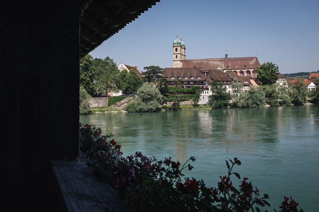 Blick auf den Fridolinsmünster von der Holzbrücke Bad Säckingen