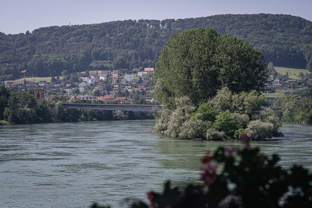 Blick auf den Rhein von der Holzbrücke Bad Säckingen