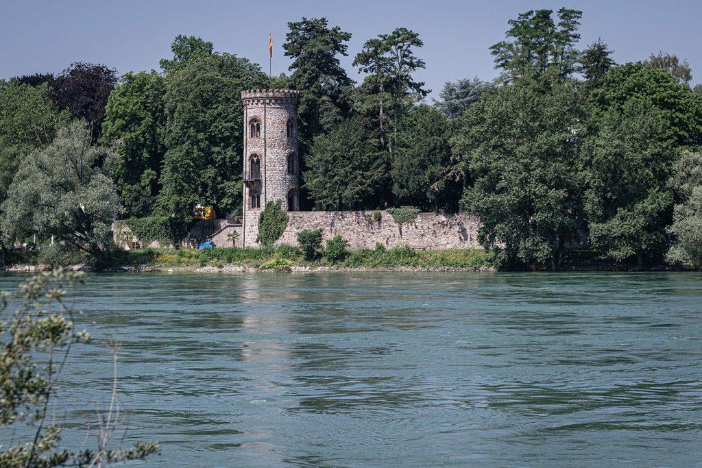 Blick auf ein Schlossturm in Bad Säckingen