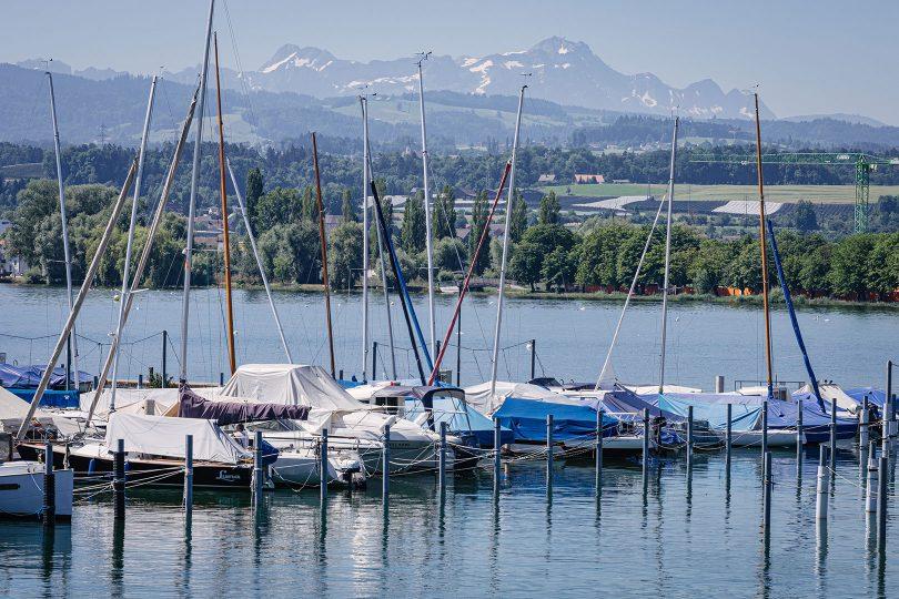 Schiffe am Hafen am Bodensee