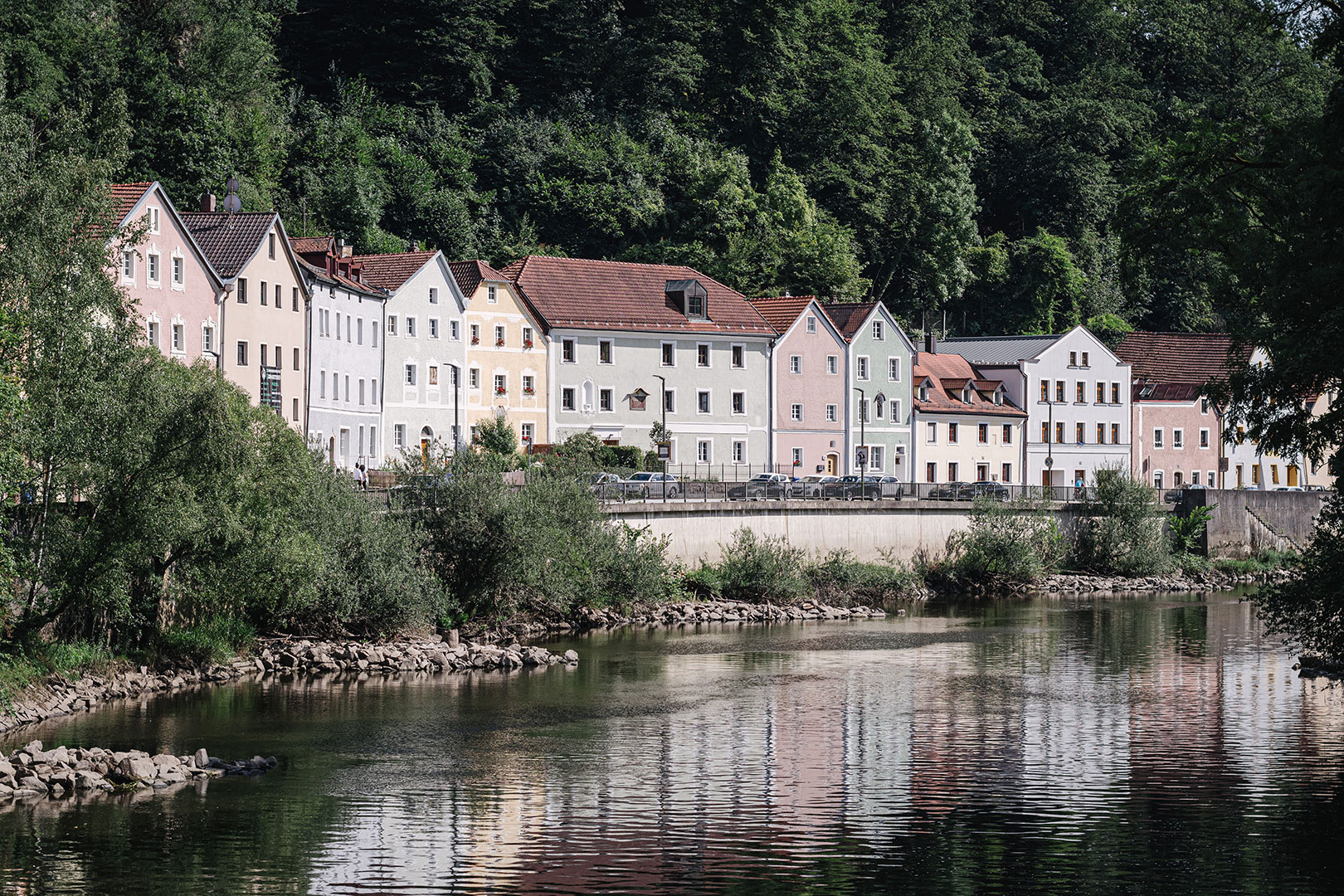 Häuser am Fluss in Passau