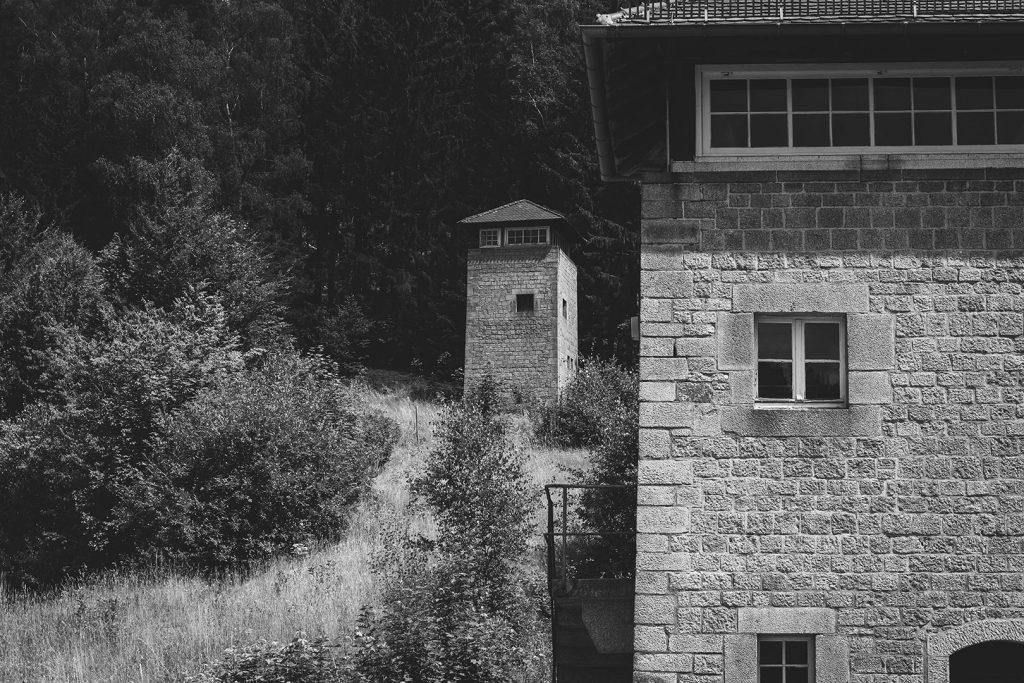 Wachturm der KZ-Gedenkstätte Flossenbürg