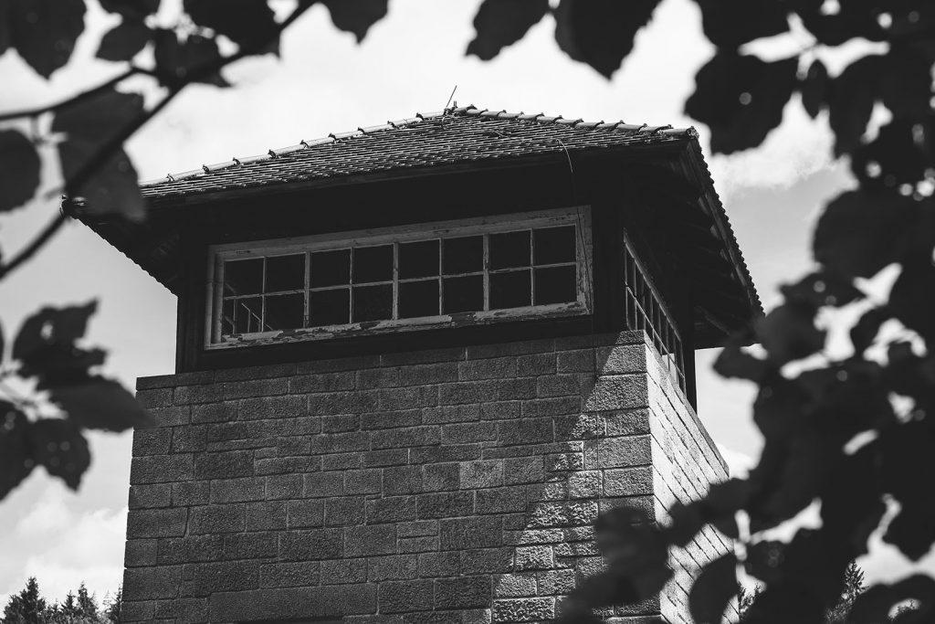 Oberer Teil des Wachturms in der KZ-Gedenkstätte Flossenbürg