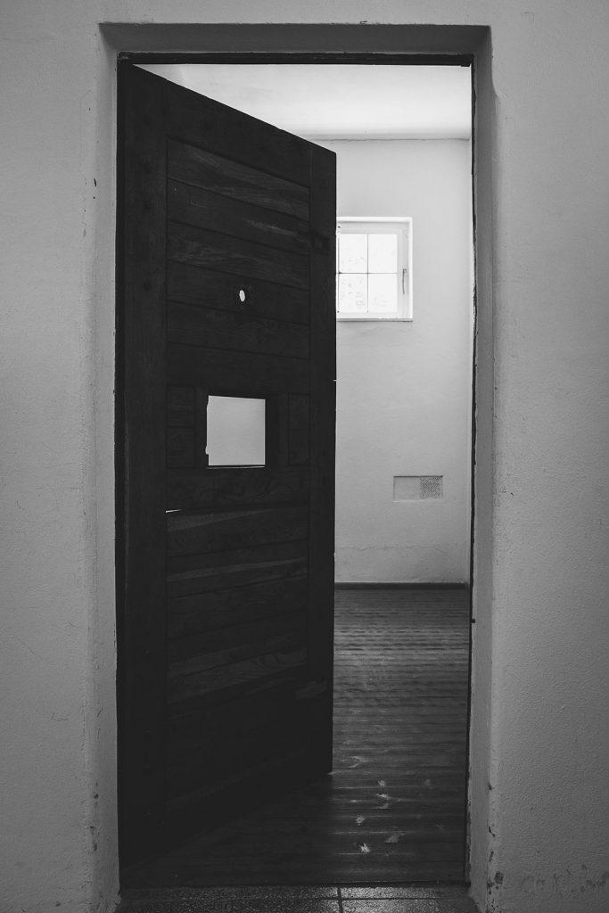 Arrestzelle in der KZ-Gedenkstätte Flossenbürg