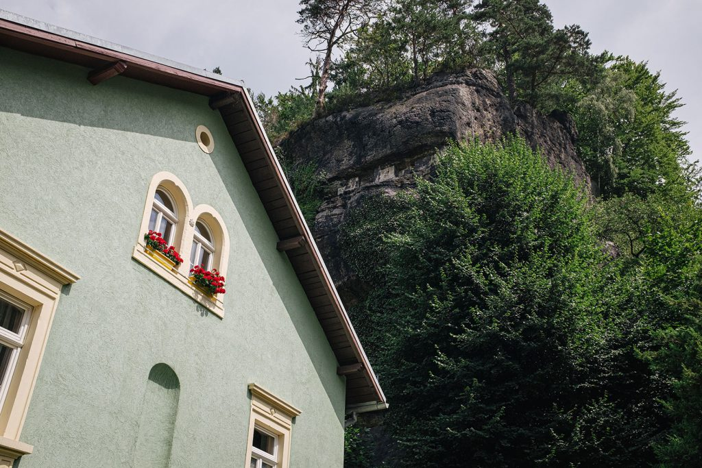 Haus mit Fels in Schmilka