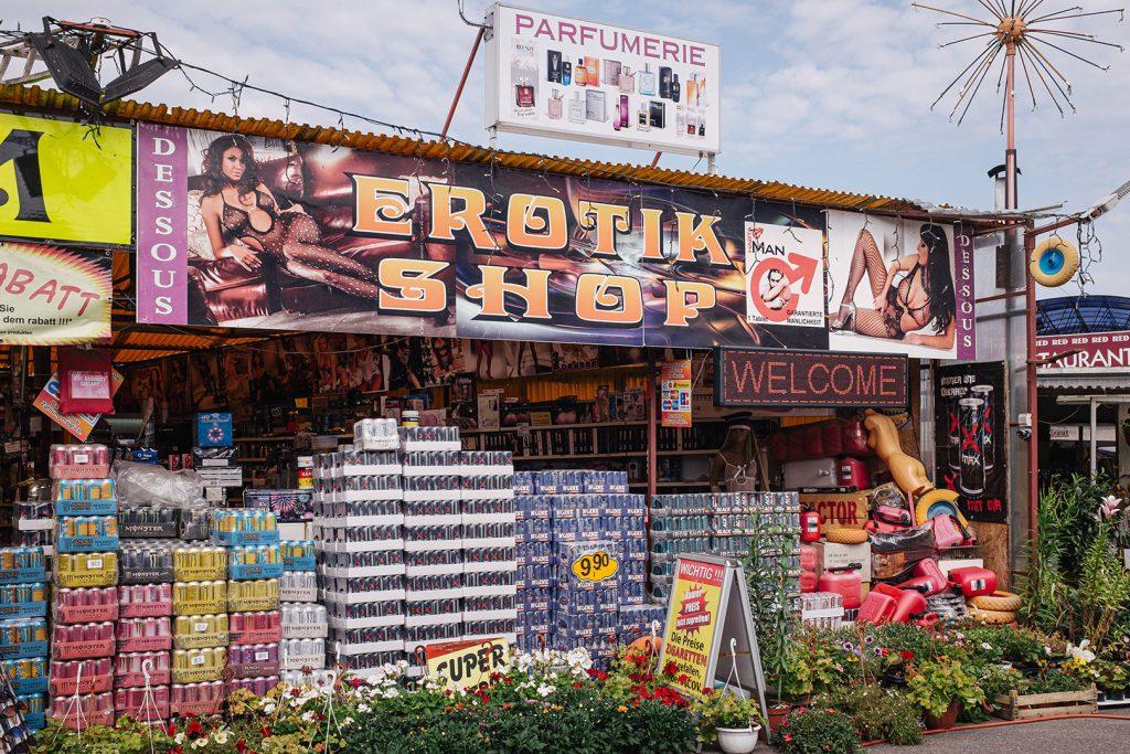 Erotikshop am Polenmarkt in Niederwutzen (Osinów Dolny)