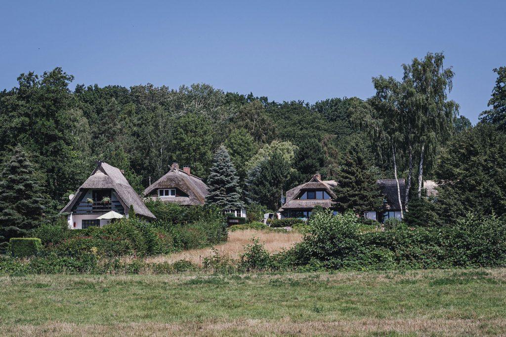 Häuser mit Reetdächern in Groß Stresow