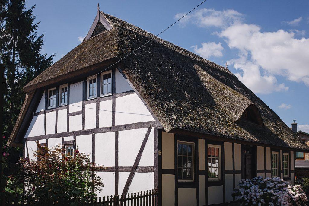 Fachwerkhaus mit Reetdach in Reinberg