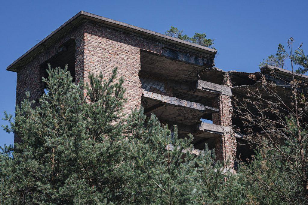 Ruine von außen in Prora