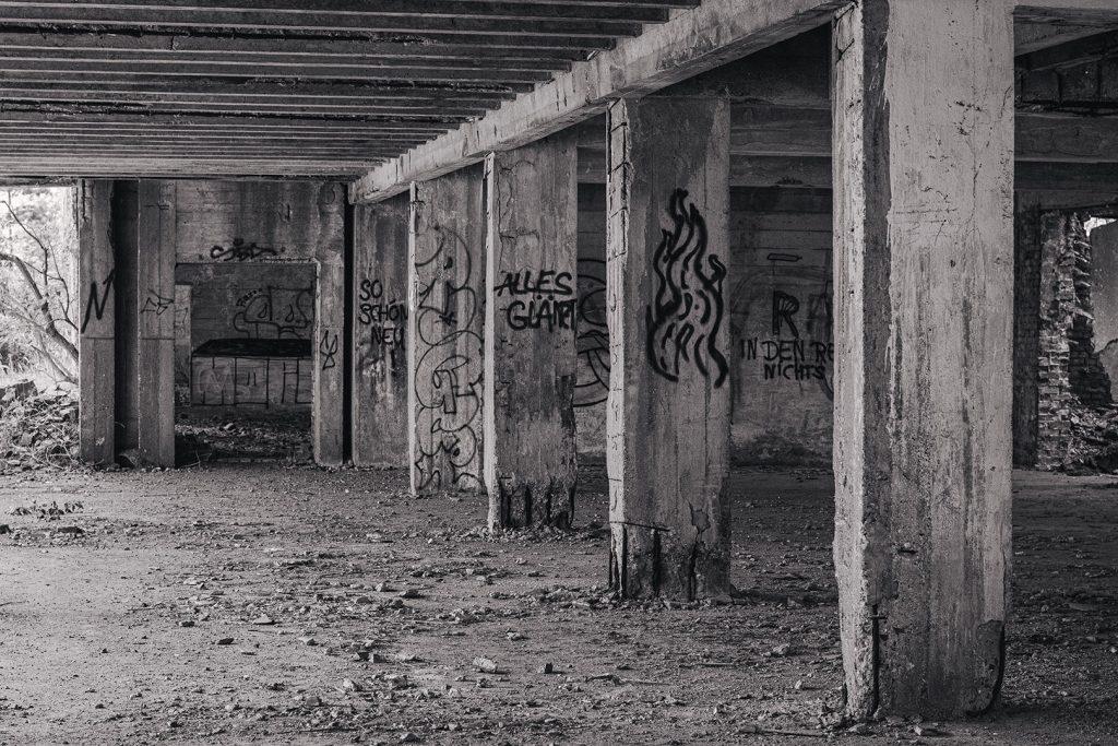 Säulen in der Ruine Prora